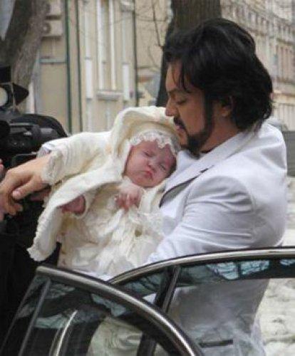 Теперь у дочери филиппа киркорова