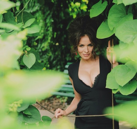 Горяченькие фотоснимки Надежда Мейхер-Грановская с элементами секса