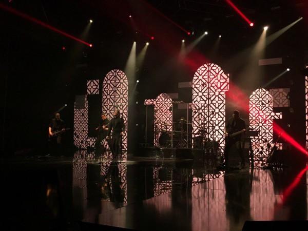 Х-фактор 7 сезон 6 прямой эфир: группа удивила советской поп-песней