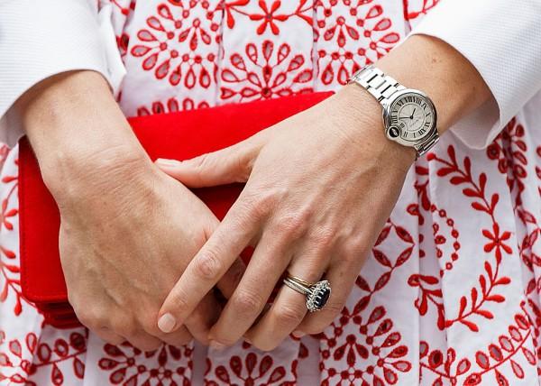 Почему Кейт Миддлтон носит три кольца на безымянном пальце
