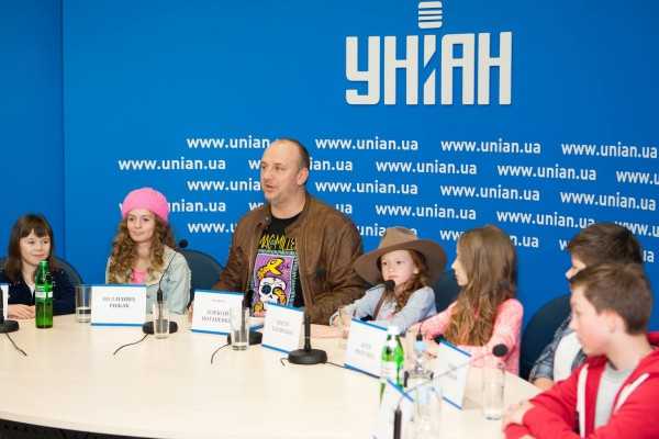 Потап и участники тура на пресс-конференции