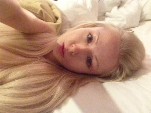 Одесская Барби показала фото, на котором она без макияжа