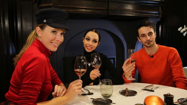 Катя Осадчая, Екатерина Кухар и Александр Стоянов фото