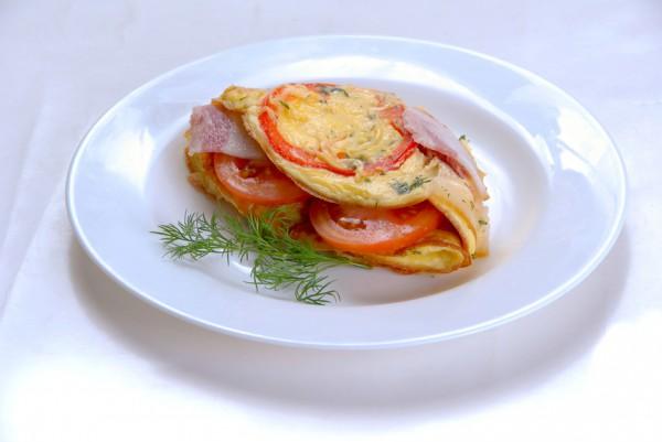Рецепт                  Яичница-болтунья с беконом и помидорами