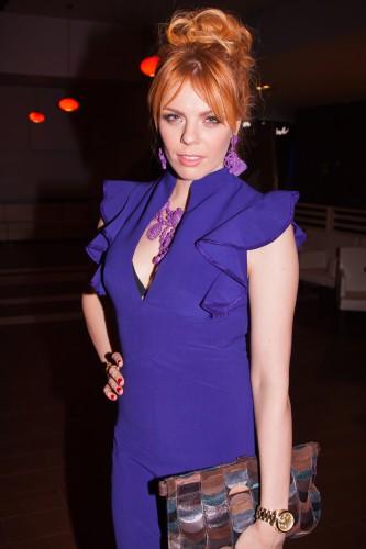 Анастасия Стоцкая в платье с глубоким декольте