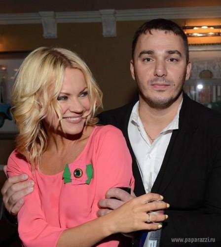 Кирилл Андреев вместе с женой Лолитой