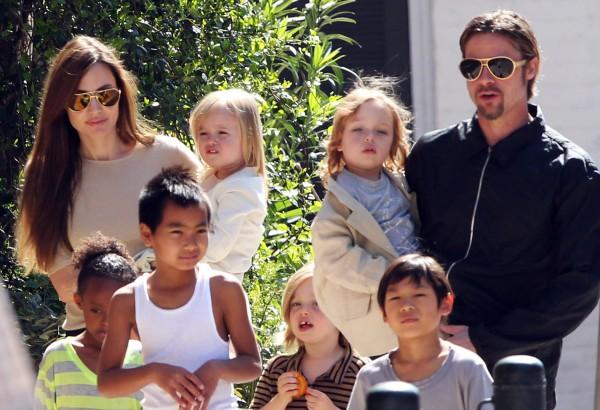 Большая семья Джоли и Питта