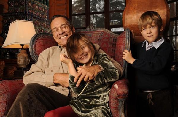 Андрей Кончаловский с дочкой и сыном