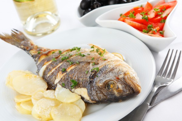 Рецепт                  Запеченная рыба с лимоном и оливками