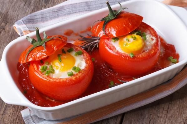 Рецепт                  Яичница в помидоре