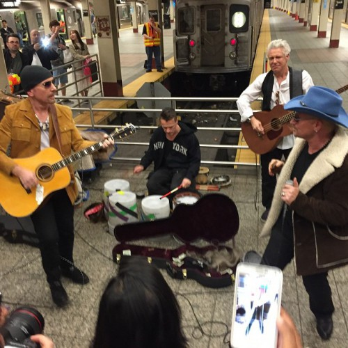 Группа U2 устроили концерт в нью-йоркском метро