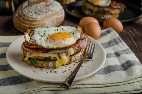 Классический сэндвич Крок Мадам