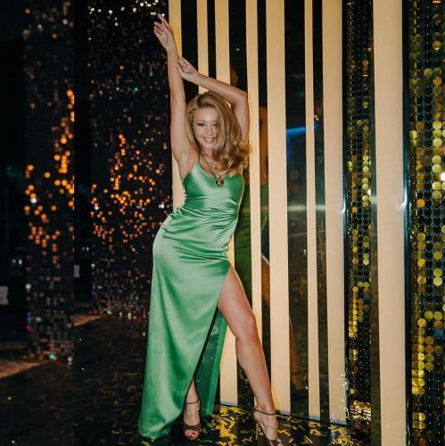 Тина Кароль повторила роскошный образ известной американской модели