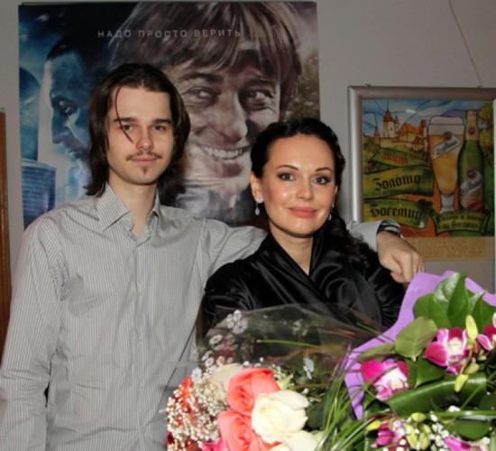 Андрей Ливанов вместе со своей мамой Ириной Безруковой