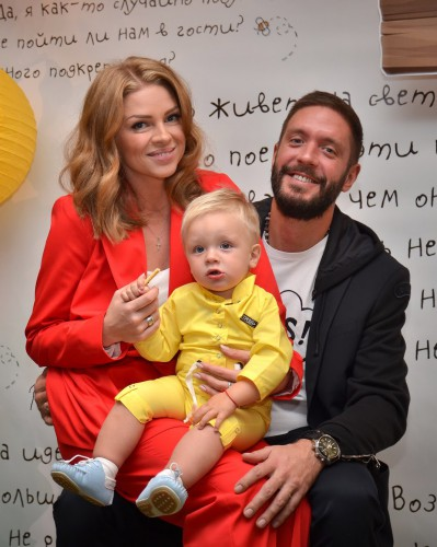 Яна Глущенко с семьей