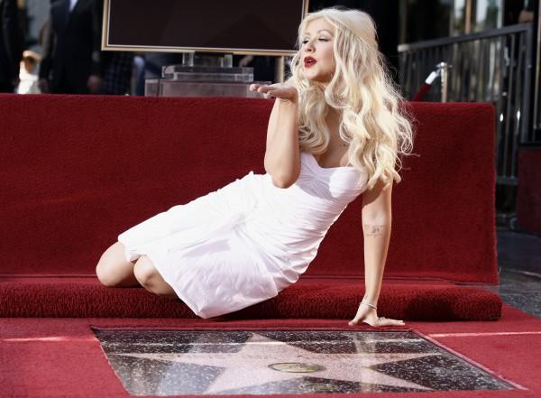 Американская певица Кристина Агилера устроила скандал в Диснейленде