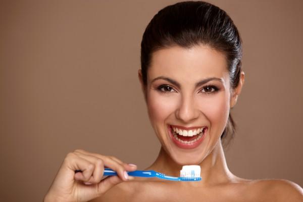 Чтобы не навредить себе, узнай больше о том, на что следует обращать внимание при выборе зубной щетки