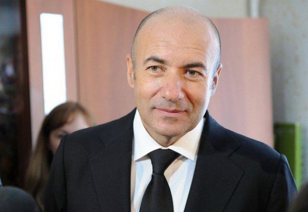 Игорь Крутой подписал для Новой волны годовой контракт с Юрмалой