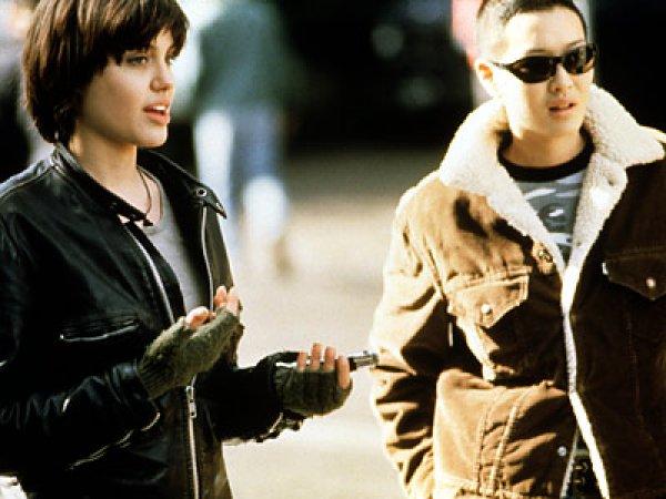 Джени Шимицу встречалась с Анджелиной Джоли