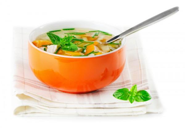 Весенний суп из зеленых овощей