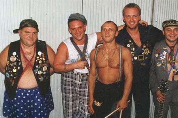 Леонид Петренко (на фото слева) был вокалистом группы Дюна
