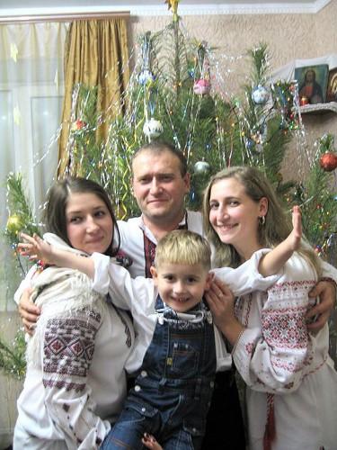 Дмитрий Ярош с детьми