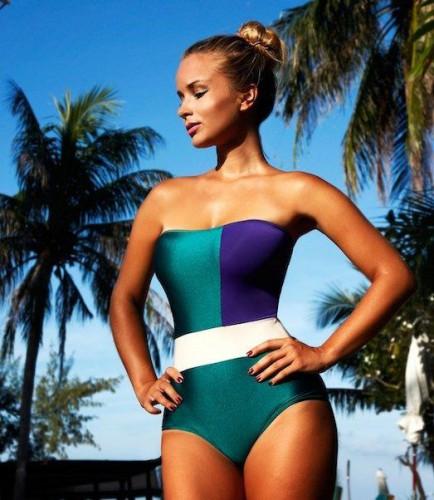 Скоро на пляж: Модные купальники в 2019