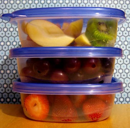 Наличие в твоем холодильнике здоровой пищи, готовой к потреблению, убережет тебя от соблазна перекусить в фаст-фуде