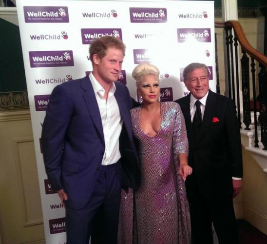 Принц Гарри (слева), Lady GaGa, Тони Беннетт (справа)