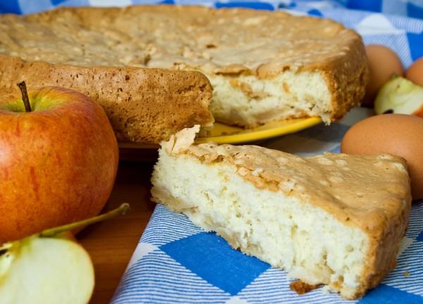 Домашний пирог с яблоками