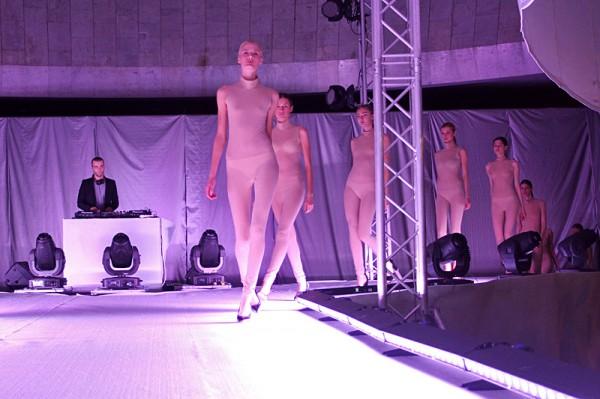 Фото моделей в прозрачной одежде фото 776-566