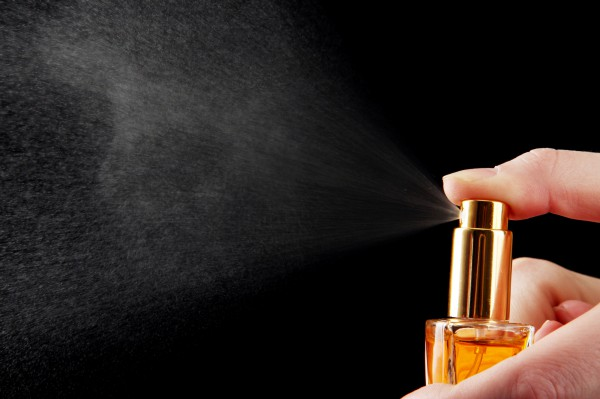 Главные ошибки при нанесении парфюма: ТОП-5