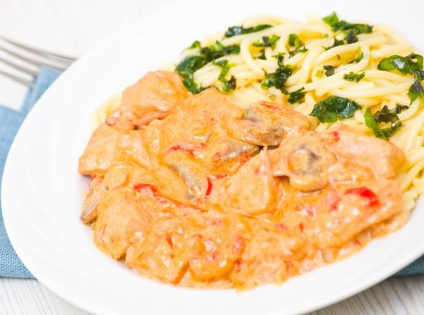 Рецепт                  Жареная свинина с помидорами и грибами