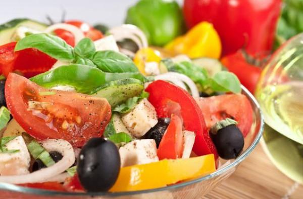 Салаты на 8 Марта: Греческий салат