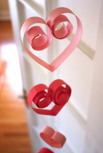 Подвеска из сердец на День святого Валентина