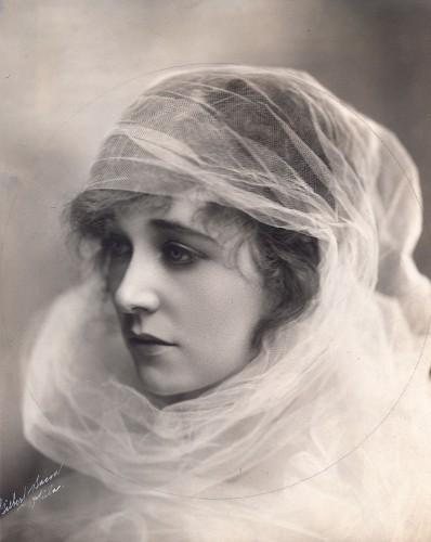 Этель Клэйтон (1882 – 1966), американская актриса немого кино.