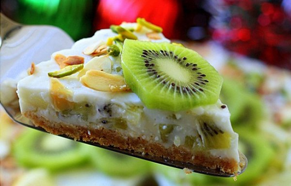 Рецепт                  Новогодний десерт: Йогуртовый торт с киви
