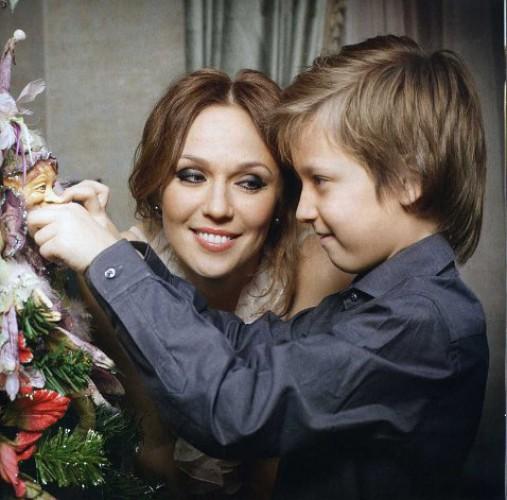 Джанабаева с сыном Константином
