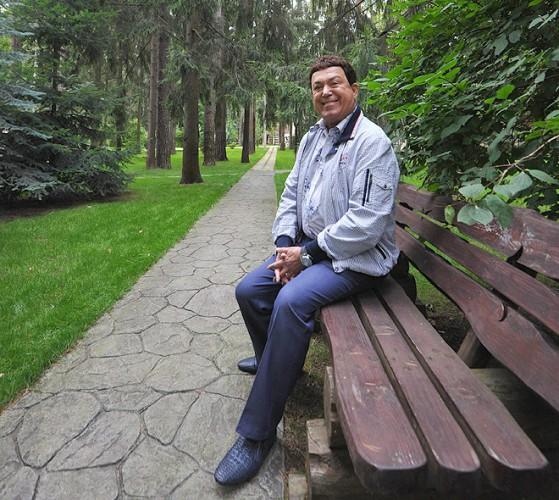 В 2012-ми российский исполнитель Иосиф Кобзон отметил 75-летний юбилей