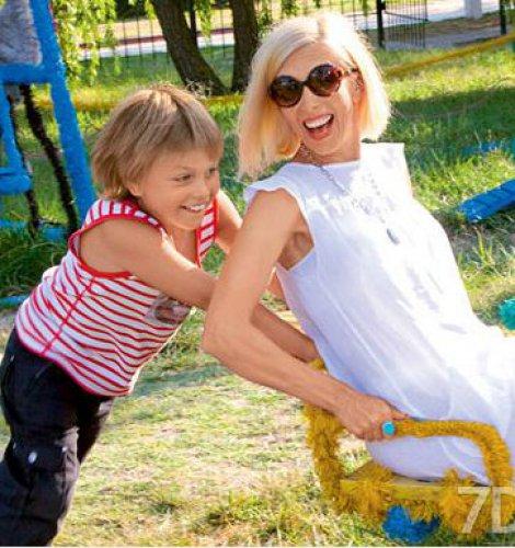 Сейчас младшему сыну Алены Свиридовой 7 лет, и она безумно счастлива его рождению