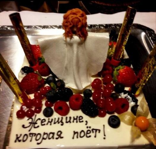 Праздничный торт Аллы Пугачевой