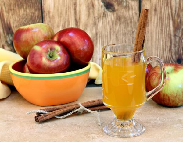 Рецепт                  Сидр из яблок с корицей