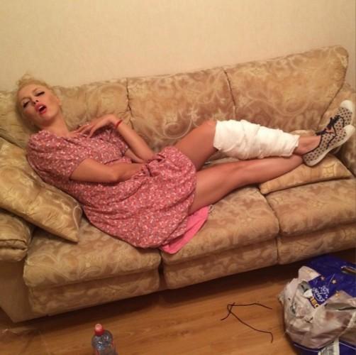 Оля Полякова получила травму