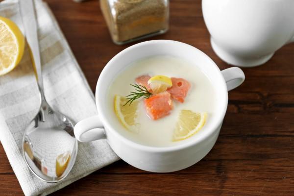 Сливочный суп с форелью