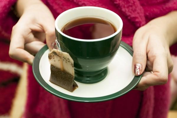 Пристрастие к чаю в пакетиках может лишить зубов