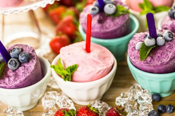Йогуртовое мороженое на палочках