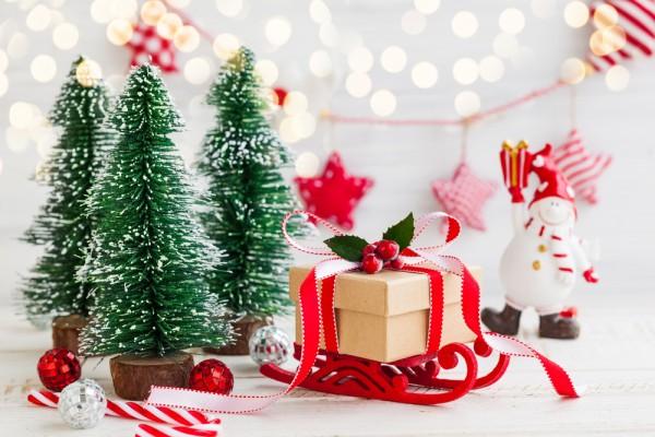 Вкусный подарок на Новый год 2017: конфетные сани