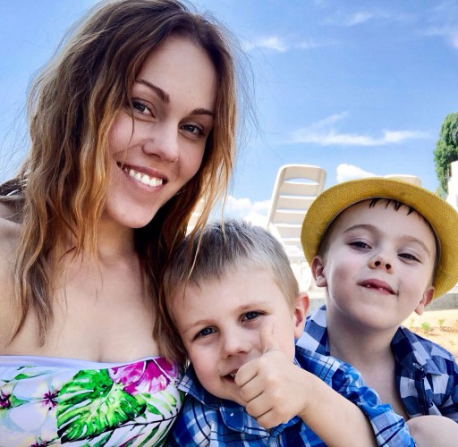 Alyosha с сыновьями