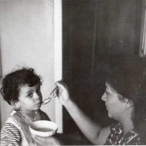 Маленький Филипп со своей матерью Викторией Марковной
