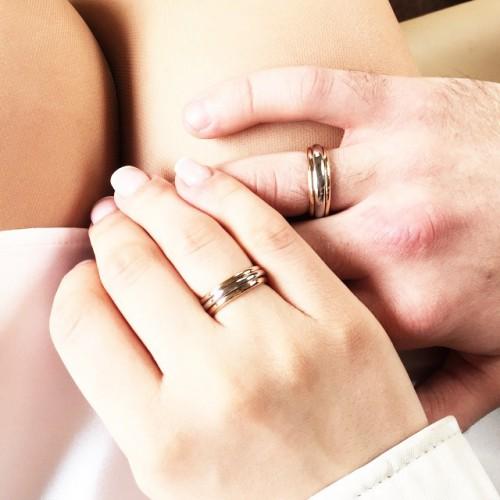 Вика Дайнеко показала обручальные кольца